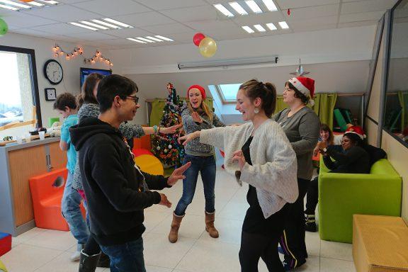 Fête de Noël au centre : tout le monde danse !